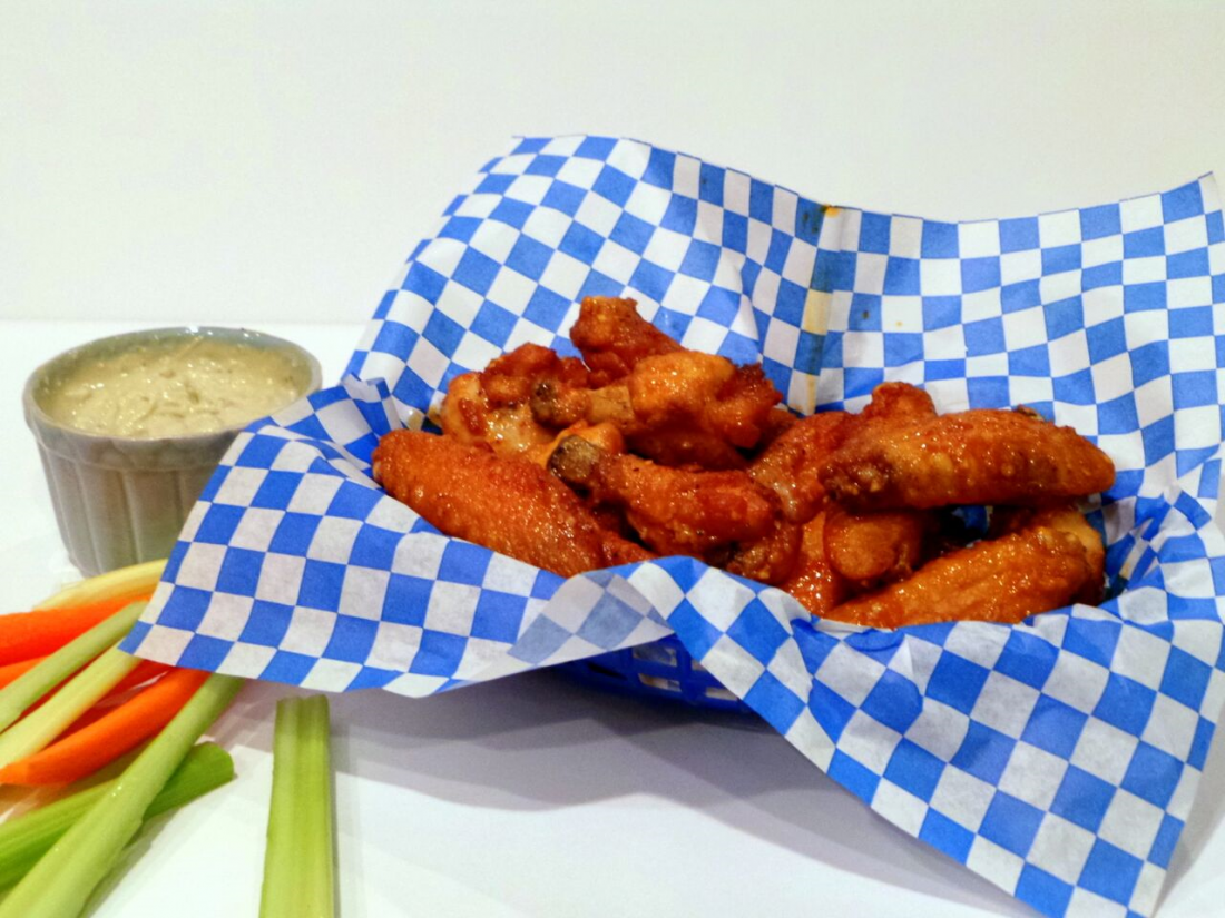 Hot Garlicky Wings Recipe for Football Season
